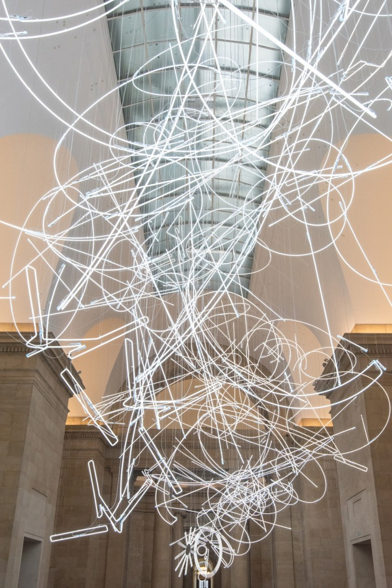 cerith-wyn-evans-forms-in-space-by-light-in-time-2017-medium-res